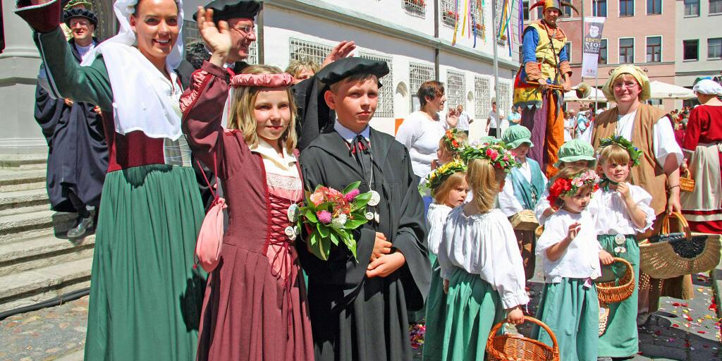 Luthers Hochzeit vor dem Rathaus